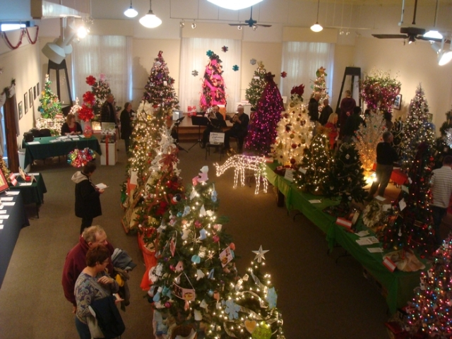 Art Festival Octogon Festival of trees